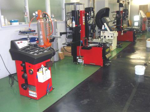 EIWA タイヤチェンジャー ホイールバランサー 設置イメージ画像